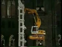 Thumbnail of Unbelievable excavator stunt