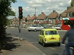 Thumbnail of Mr bean on a trafic light
